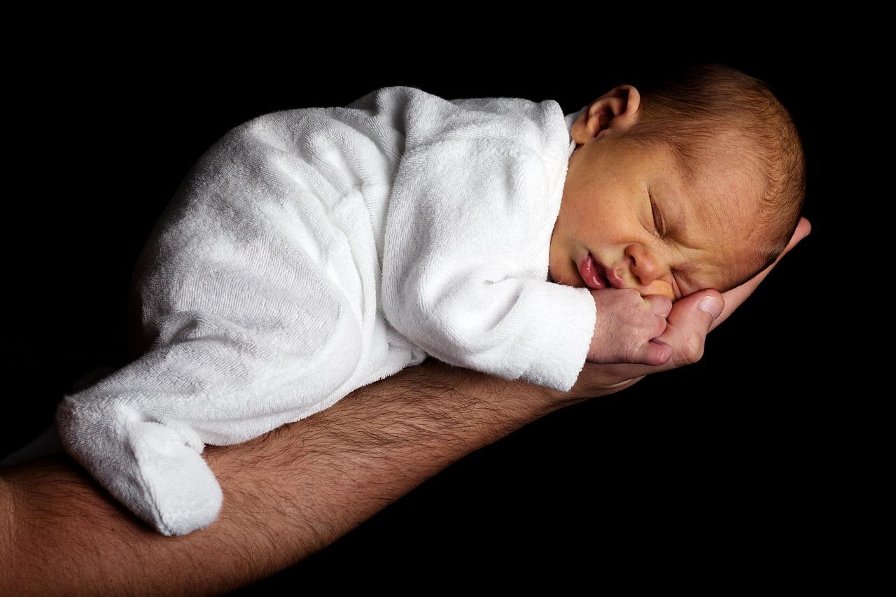 Worauf bei der Wahl der richtigen Babytrage zu achten ist